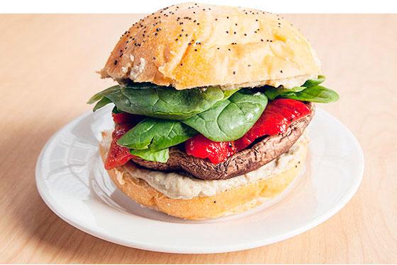 Сэндвич с грибом портобелло
