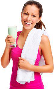 Стройная девушка и протеин