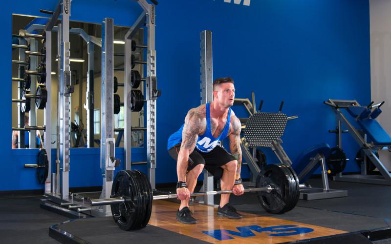 Становая тяга - базовое упражнение для набора мышечной массы